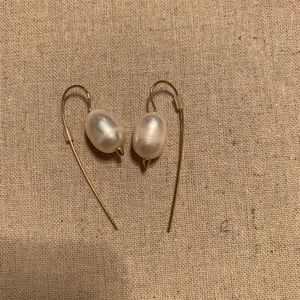 Stella & Dot Anika pearl drop earrings